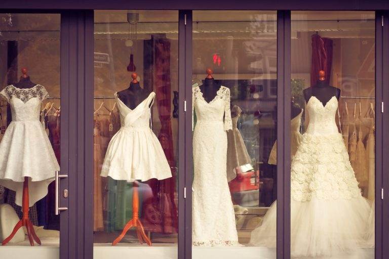 How Soon Should You Shop For Your Wedding Gown?