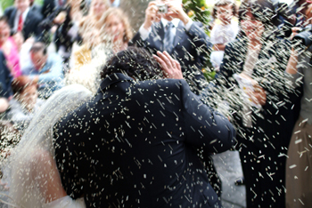 Bridal couple rice throwing