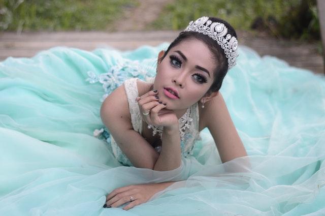 Bride in teal